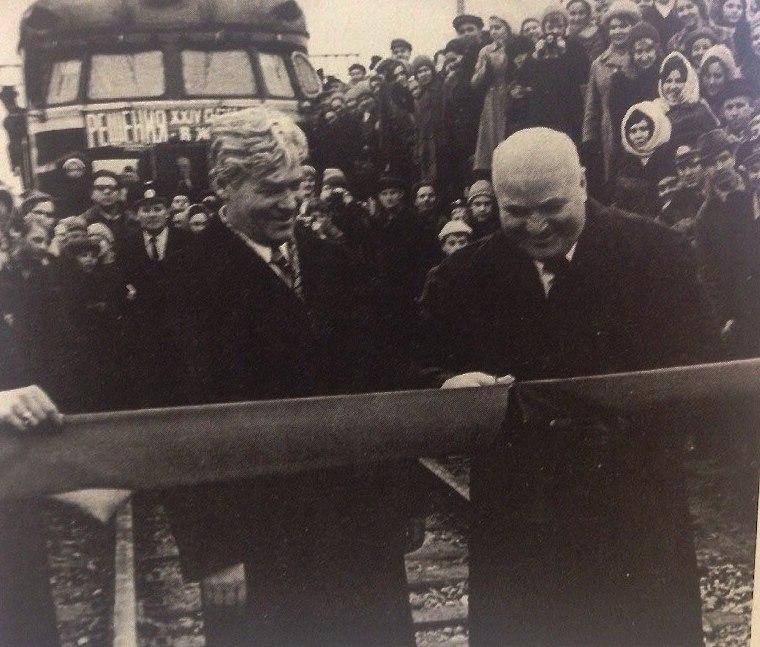 На станцию Калище пришла первая электричка