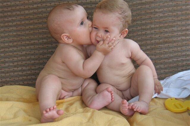 День поцелуя в Сосновом Бору